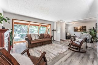 Photo 9: 21 WHITE OAK Crescent SW in Calgary: Wildwood Detached for sale : MLS®# A1026011