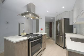 """Photo 3: 402 1050 BURRARD Street in Vancouver: Downtown VW Condo for sale in """"WALL CENTRE"""" (Vancouver West)  : MLS®# R2362675"""