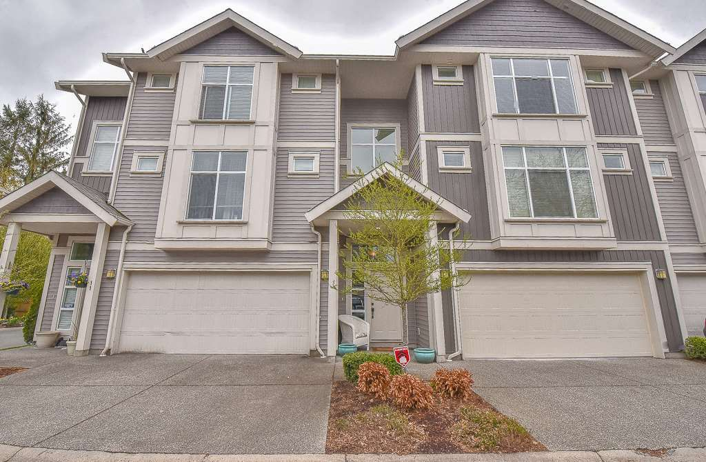 """Main Photo: 12 9270 BROADWAY Street in Chilliwack: Chilliwack E Young-Yale Townhouse for sale in """"THE KENSIGNTON"""" : MLS®# R2357853"""