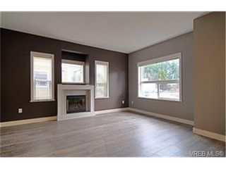Photo 2:  in VICTORIA: La Langford Proper Row/Townhouse for sale (Langford)  : MLS®# 452010
