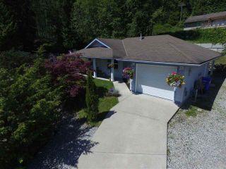 Photo 4: 5943 ST ANDREWS Place in Sechelt: Sechelt District House for sale (Sunshine Coast)  : MLS®# R2459726