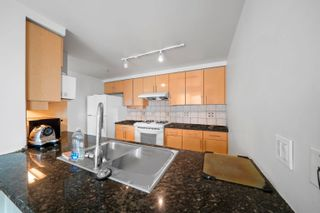 Photo 5: 2005 1077 MARINASIDE Crescent in Vancouver: Yaletown Condo for sale (Vancouver West)  : MLS®# R2612033