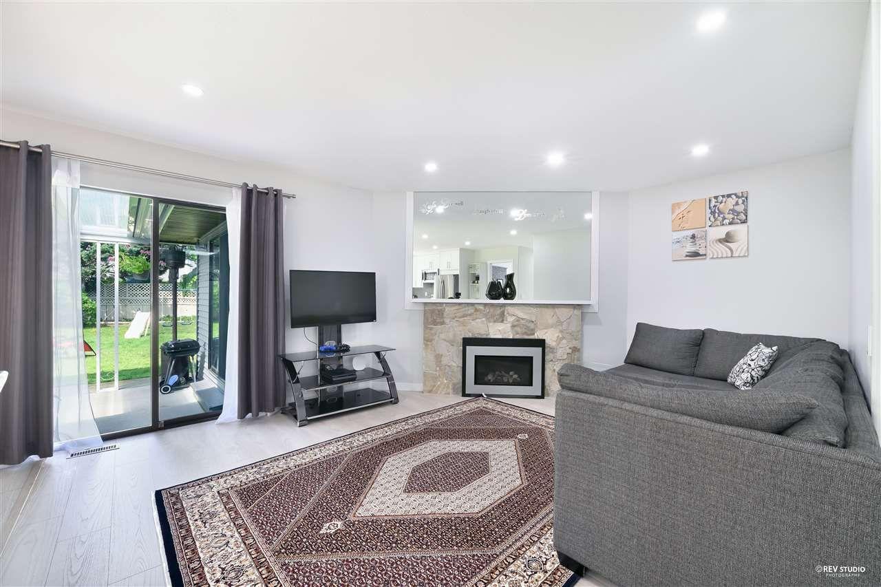 Photo 6: Photos: 15423 93 Avenue in Surrey: Fleetwood Tynehead House for sale : MLS®# R2488101