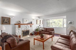 """Photo 2: 3268 W 21ST Avenue in Vancouver: Dunbar House for sale in """"Dunbar"""" (Vancouver West)  : MLS®# R2177204"""