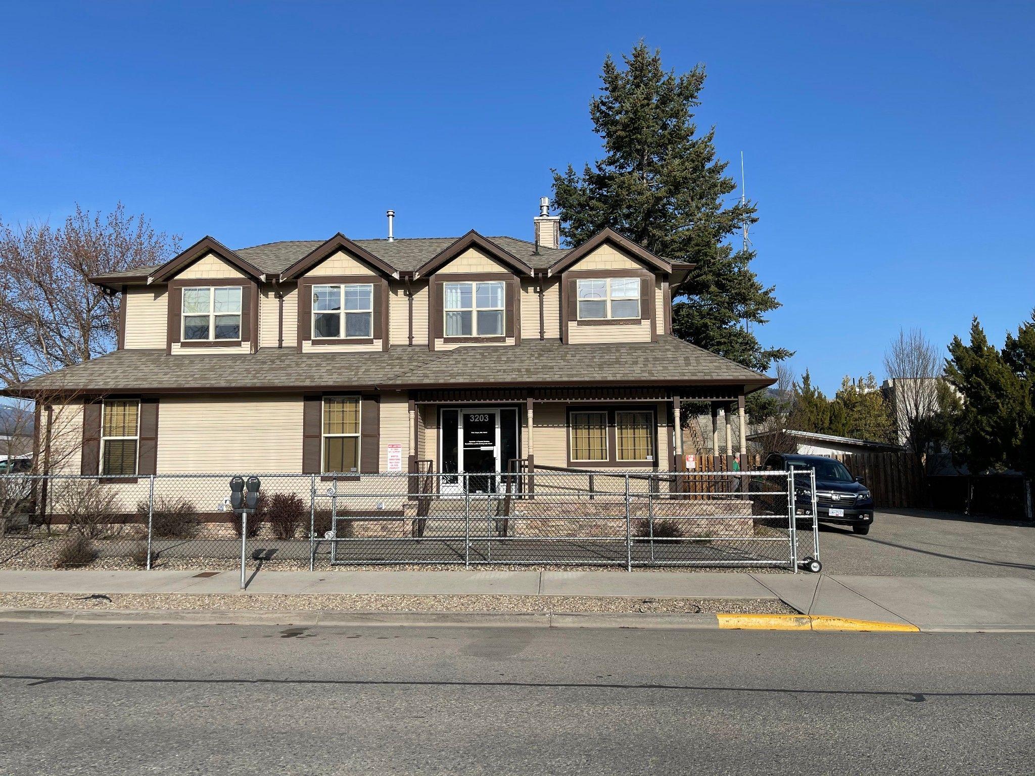 Main Photo: 3203 34th Street in Vernon: City of Vernon Office for sale (North Okanagan)  : MLS®# 10229309