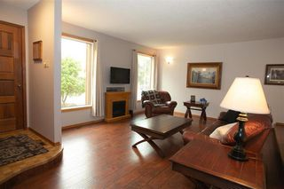 Photo 4: 66 Dells Crescent in Winnipeg: Meadowood Residential for sale (2E)  : MLS®# 202119070