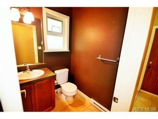 Photo 7: 878 Brock Ave in VICTORIA: La Langford Proper Row/Townhouse for sale (Langford)  : MLS®# 742350