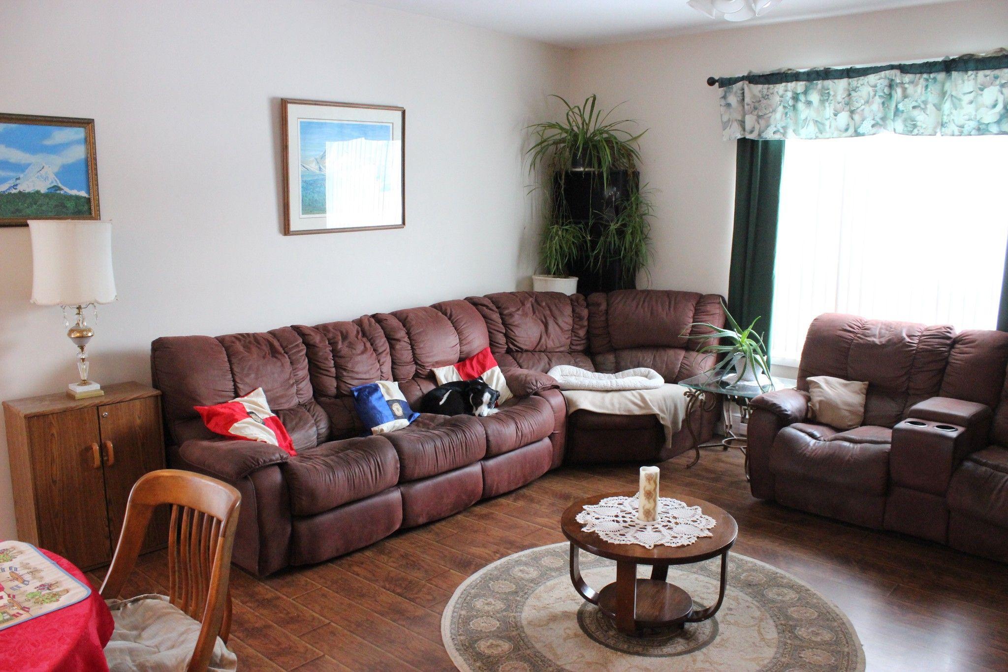 Photo 2: Photos: 401 McLean Road: Barriere House for sale (Kamloops)  : MLS®# 160200