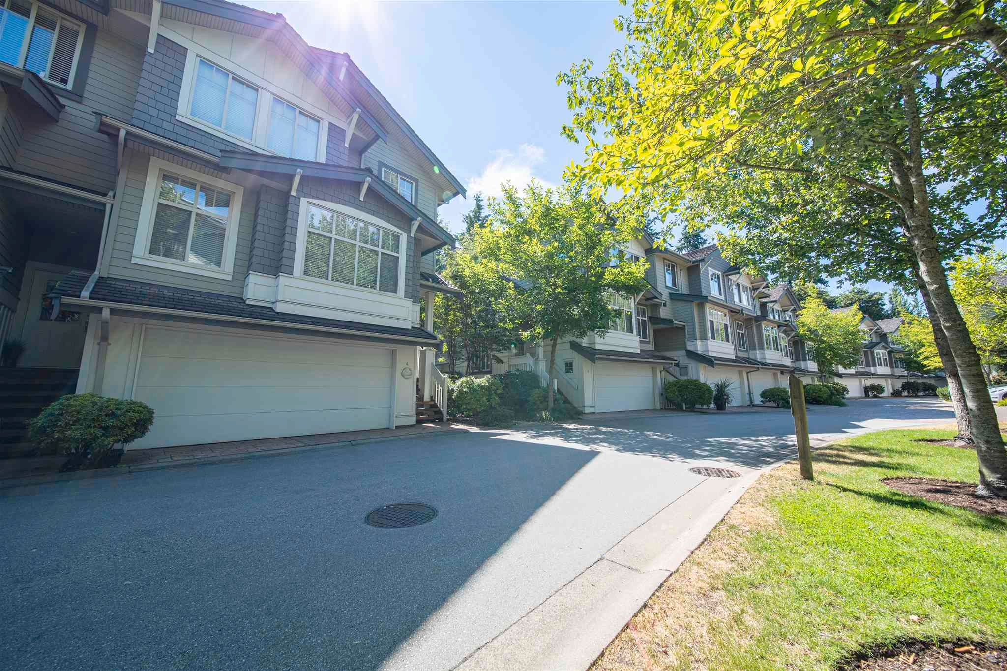Main Photo: 4 2133 151A Street in Surrey: Sunnyside Park Surrey Townhouse for sale (South Surrey White Rock)  : MLS®# R2604564