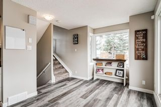 Photo 5: 5 64 Woodacres Crescent SW in Calgary: Woodbine Row/Townhouse for sale : MLS®# A1151250