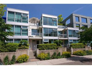 "Photo 12: 139 MILROSS Avenue in Vancouver: Downtown VE Townhouse for sale in ""CREEKSIDE"" (Vancouver East)  : MLS®# R2553176"