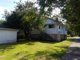 Photo 2: 2205 E 1ST Avenue in Vancouver: Grandview Woodland House for sale (Vancouver East)  : MLS®# R2544354