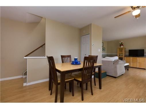 Photo 5: Photos: 23 10070 Fifth St in SIDNEY: Si Sidney North-East Row/Townhouse for sale (Sidney)  : MLS®# 739544