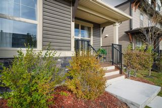 Photo 2: 402 50 Belgian Lane: Cochrane Row/Townhouse for sale : MLS®# A1153936