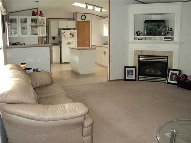 """Photo 2: Photos: 43 5701 AIRPORT Drive in Fort Nelson: Fort Nelson -Town Manufactured Home for sale in """"SOUTHRIDGE MOBILE HOME PARK"""" (Fort Nelson (Zone 64))  : MLS®# N212129"""