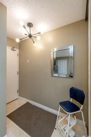 Photo 2: 406 139 St Lawrence Court in Saskatoon: River Heights SA Residential for sale : MLS®# SK848791