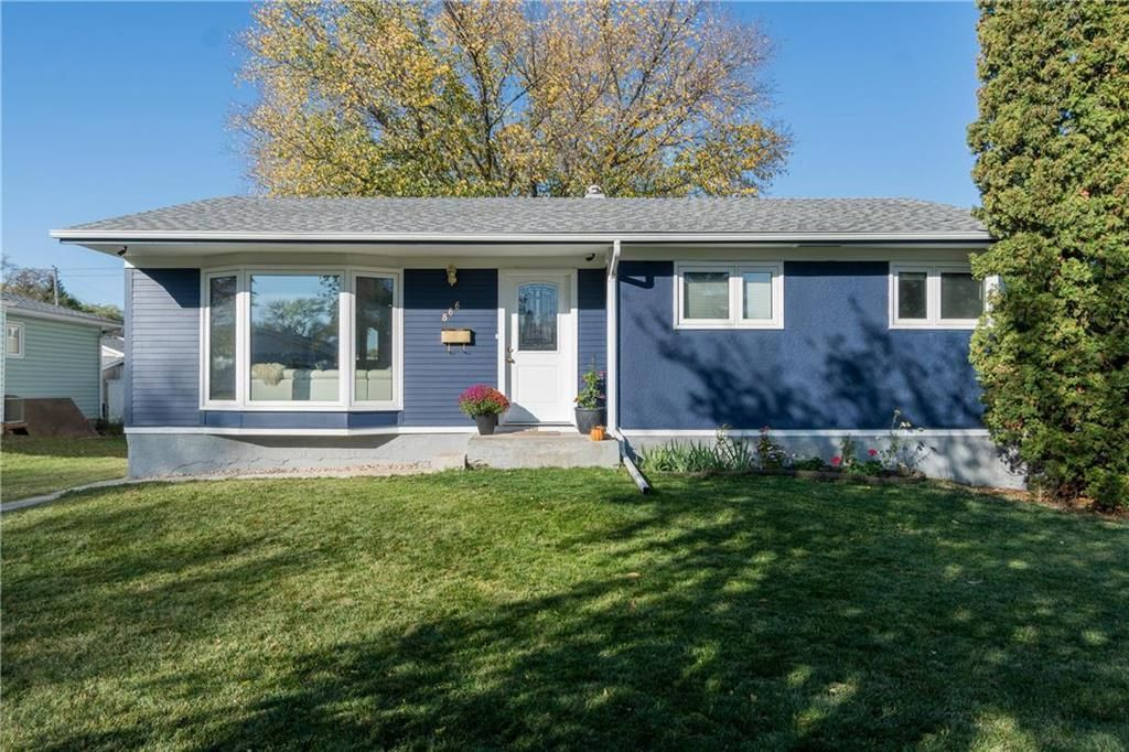 Main Photo: 866 Parkdale Street in Winnipeg: Crestview Residential for sale (5H)  : MLS®# 202124809