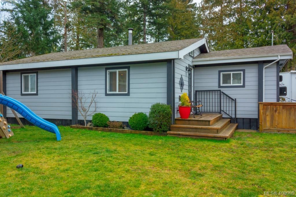 Photo 2: Photos: 2463 Selwyn Rd in VICTORIA: La Thetis Heights House for sale (Langford)  : MLS®# 810897