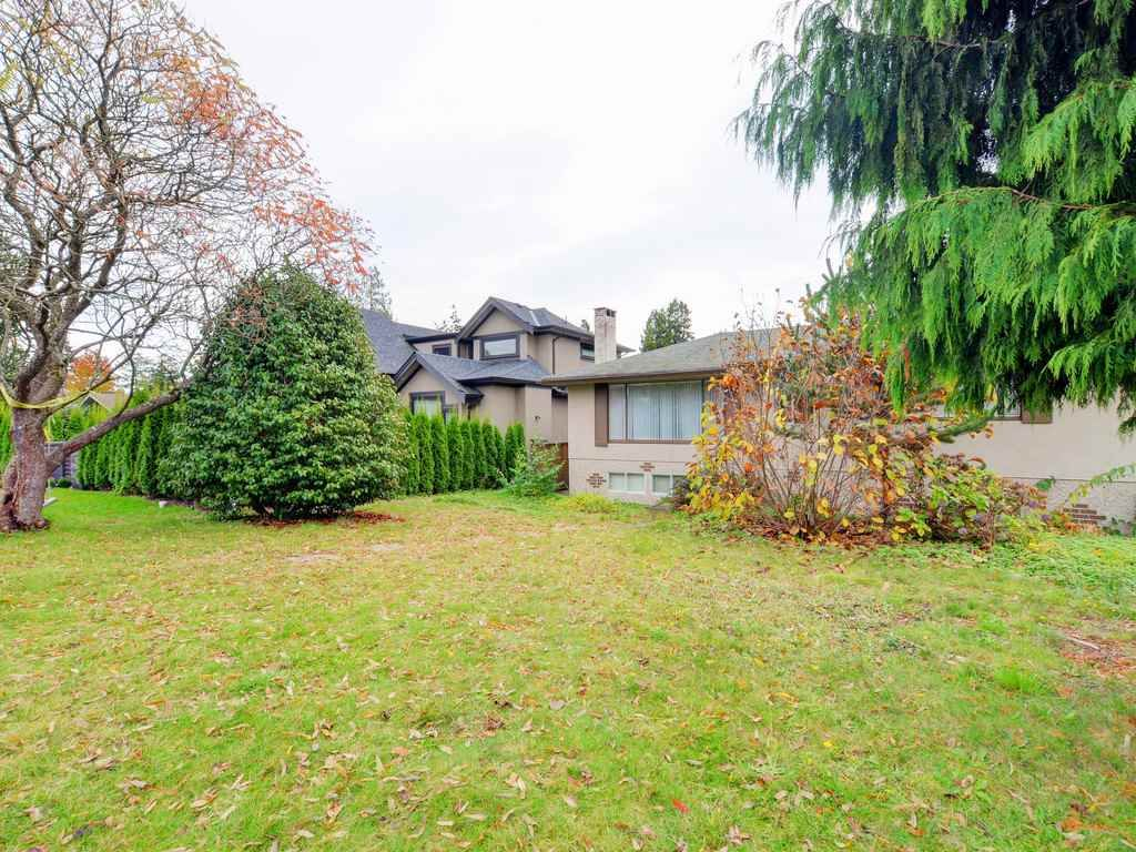Photo 4: Photos: 915 E 14TH Street in North Vancouver: Boulevard House for sale : MLS®# R2131992