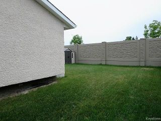 Photo 2: 74 Forest Cove Drive in Winnipeg: Meadows West Single Family Detached for sale (4L)  : MLS®# 1716243