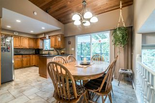 Photo 7: 6399 PARKVIEW PLACE in Burnaby: Upper Deer Lake House for sale (Burnaby South)  : MLS®# R2348530