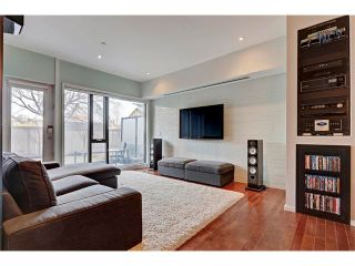 Photo 8: 105 414 MEREDITH Road NE in Calgary: Crescent Heights Condo for sale : MLS®# C4050218