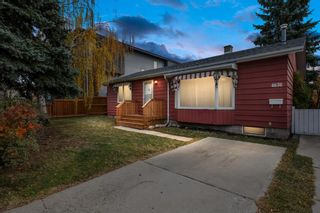 Main Photo: 4636 80 Street NW in Calgary: Bowness Detached for sale : MLS®# A1151922
