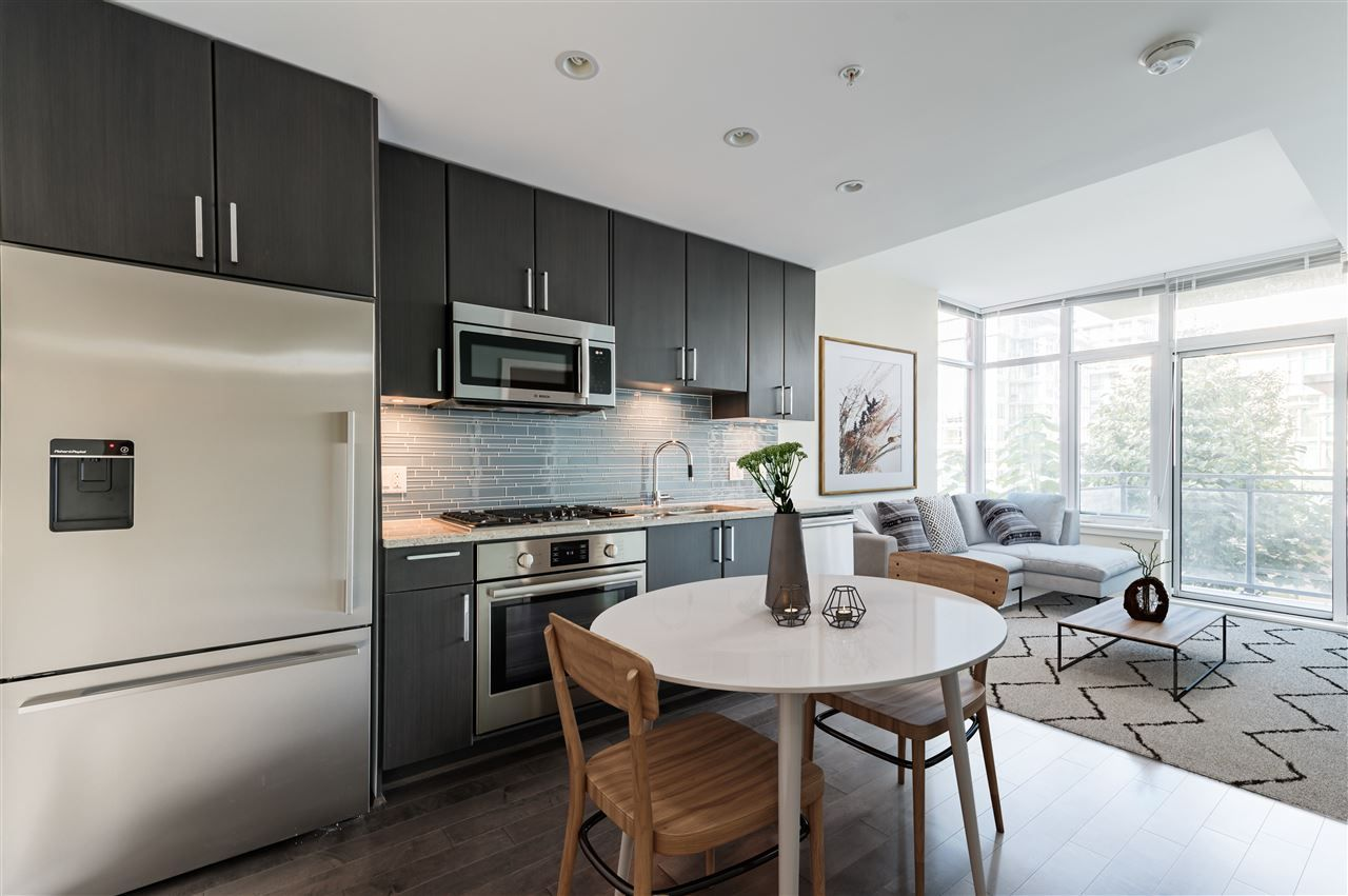 """Main Photo: 807 38 W 1ST Avenue in Vancouver: False Creek Condo for sale in """"THE ONE"""" (Vancouver West)  : MLS®# R2525858"""