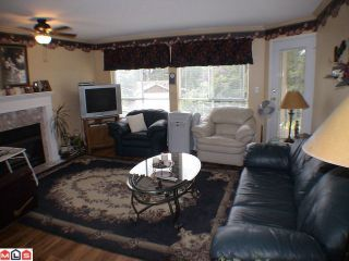 "Photo 9: 208 5450 208TH Street in Langley: Langley City Condo for sale in ""MONTGOMERY GATE"" : MLS®# F1022244"