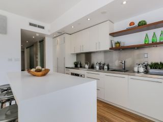 """Photo 5: PH3 36 WATER Street in Vancouver: Downtown VW Condo for sale in """"TERMINUS"""" (Vancouver West)  : MLS®# R2082070"""