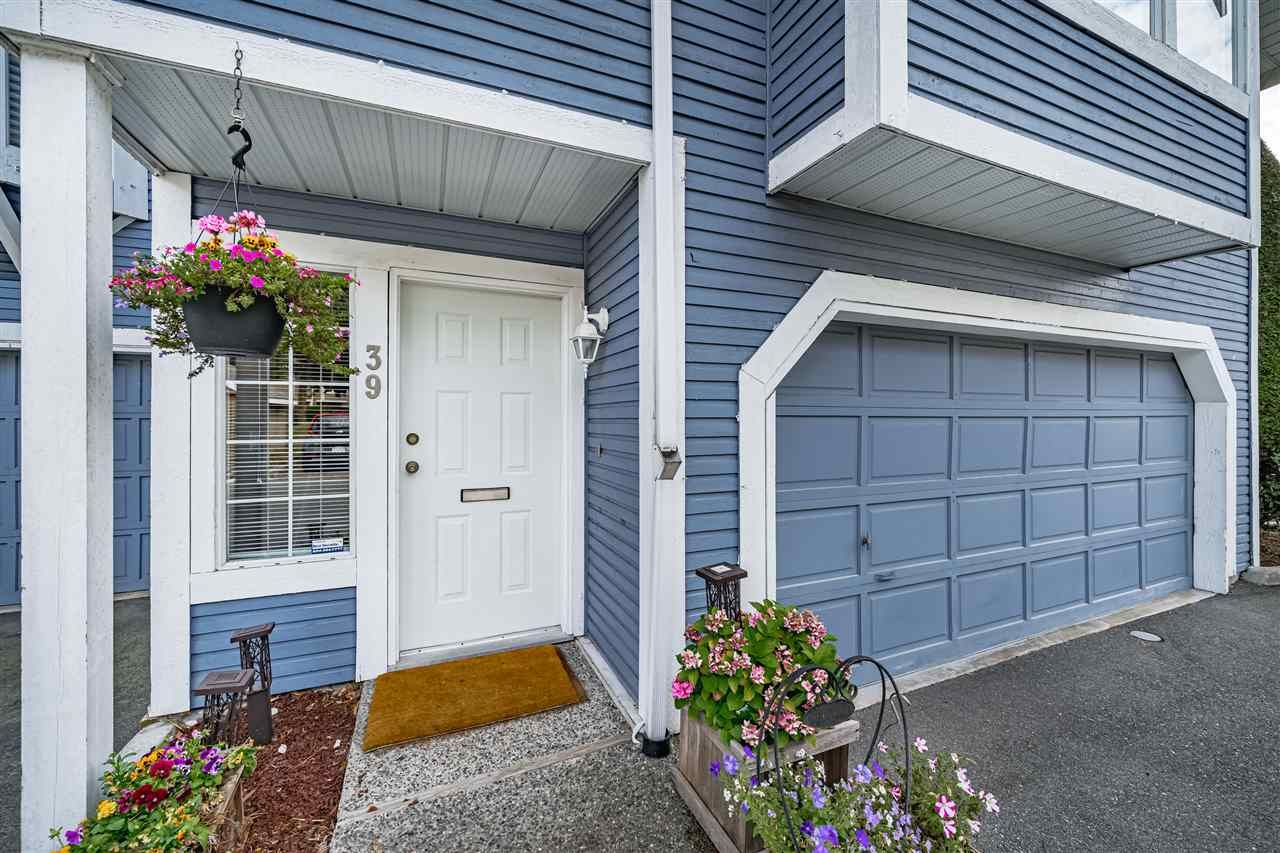 "Main Photo: 39 1140 FALCON Drive in Coquitlam: Eagle Ridge CQ Townhouse for sale in ""FALCON GATE"" : MLS®# R2491133"