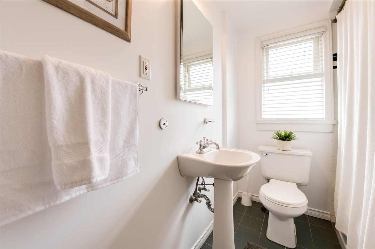 Photo 12: Photos: 438 E 37TH AVENUE in Vancouver: Fraser VE House for sale (Vancouver East)  : MLS®# R2220186