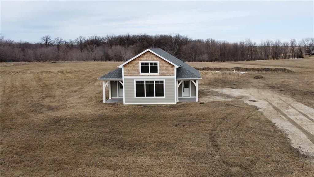 Main Photo: 19183 Cure Road in St Pierre-Jolys: R17 Residential for sale : MLS®# 202010007
