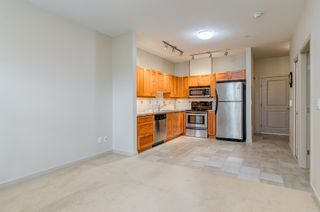 """Photo 6: 106 2511 KING GEORGE Boulevard in Surrey: King George Corridor Condo for sale in """"PACIFICA RETIREMENT RESORT"""" (South Surrey White Rock)  : MLS®# R2388617"""