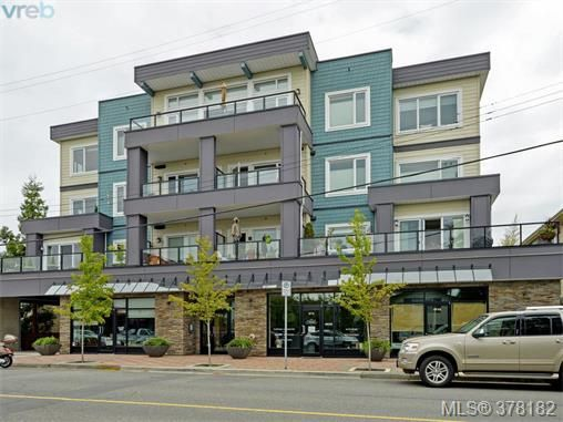 Main Photo: 207 9717 First St in SIDNEY: Si Sidney South-East Condo for sale (Sidney)  : MLS®# 759355