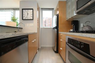 "Photo 3: 606 33 SMITHE Street in Vancouver: Yaletown Condo for sale in ""Coopers Lookout"" (Vancouver West)  : MLS®# R2440133"