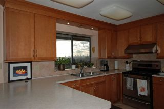 Photo 4: 7626 ARVIN Court in Burnaby: Simon Fraser Univer. House for sale (Burnaby North)  : MLS®# R2027897