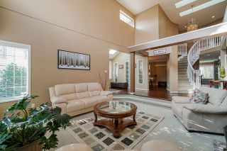 """Photo 3: 12385 63A Avenue in Surrey: Panorama Ridge House for sale in """"BOUNDARY PARK"""" : MLS®# R2465233"""