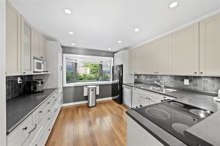Photo 9: 430 CROSSCREEK Road: Lions Bay Townhouse for sale (West Vancouver)  : MLS®# R2504347