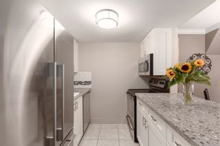 """Photo 5: 105 2455 YORK Avenue in Vancouver: Kitsilano Condo for sale in """"Green Wood York"""" (Vancouver West)  : MLS®# R2617006"""