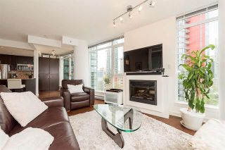 Photo 1: Vancouver West in Coal Harbour: Condo for sale : MLS®# R2083147