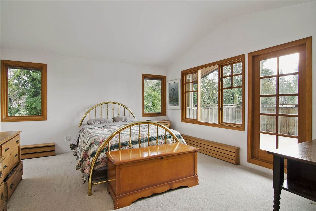 Photo 9: Photos: 1190 SINCLAIR Street in West Vancouver: Ambleside House for sale : MLS®# R2027738