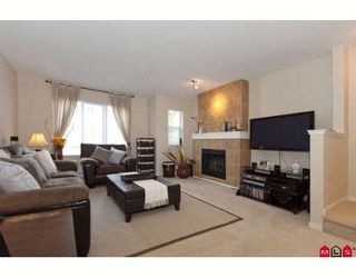 """Photo 2: 18 20875 80TH Avenue in Langley: Willoughby Heights Townhouse for sale in """"PEPPERWOOD"""" : MLS®# F2920598"""