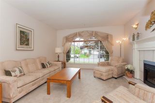 "Photo 3: 18589 62 Avenue in Surrey: Cloverdale BC House for sale in ""Eaglecrest"" (Cloverdale)  : MLS®# R2208241"