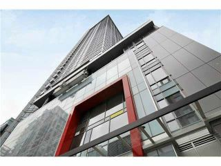 """Photo 2: 2310 833 SEYMOUR Street in Vancouver: Downtown VW Condo for sale in """"CAPITOL RESIDENCES"""" (Vancouver West)  : MLS®# R2242154"""