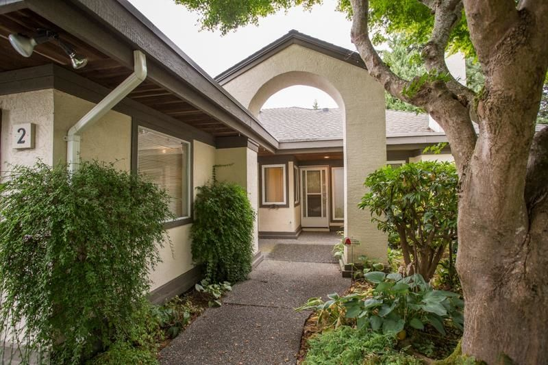 """Main Photo: 2 12941 17TH Avenue in Surrey: Crescent Bch Ocean Pk. Townhouse for sale in """"Ocean Park Grove"""" (South Surrey White Rock)  : MLS®# R2610272"""