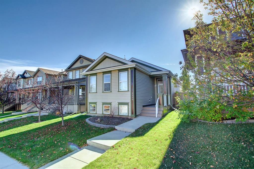 Main Photo: 2500 Sagewood Crescent SW: Airdrie Detached for sale : MLS®# A1152142