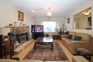 Photo 4: 10821 HOLLYMOUNT Drive in Richmond: Steveston North House for sale : MLS®# R2590985