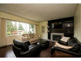 Photo 2: 3915 WESTRIDGE Ave in West Vancouver: Home for sale : MLS®# V1073723