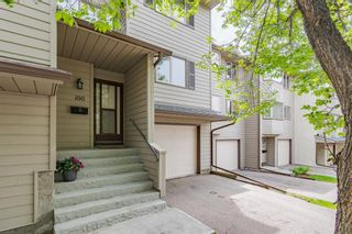 Photo 2: 166 Glamis Terrace SW in Calgary: Glamorgan Row/Townhouse for sale : MLS®# A1119592